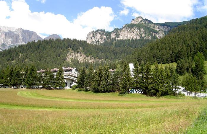 Val di Fassa, Trentino, Dolomiti. Mazzin , Canazei